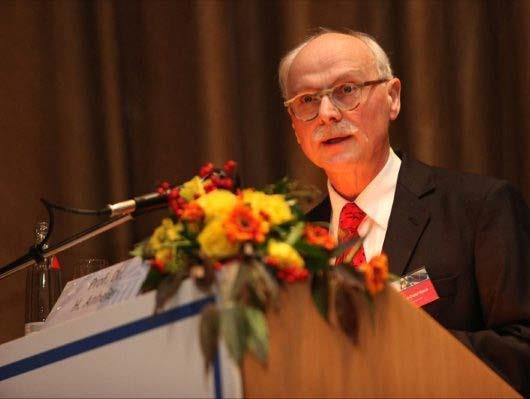 Heinz-Dieter Horch erhält Ehrenpräsidentschaft des AK Sportökonomie